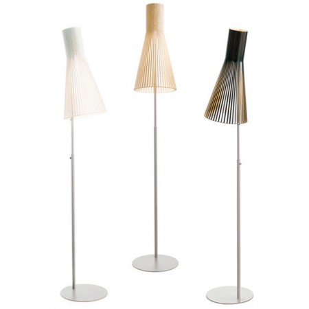 4210 Stand Lamp