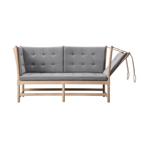 Spoke-Back 1789 Sofa